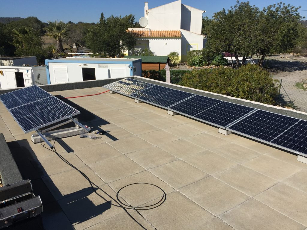 AXITEC 320Wp solar panels. Energia Solar Solutions installed them in the Algarve.
