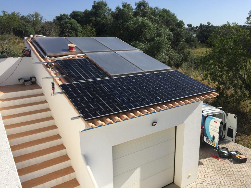 Energia Solar Solutions roof installation in Laranjeiro